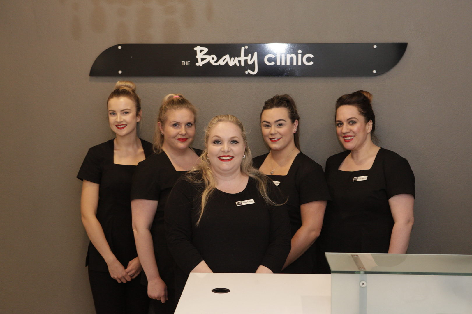The Beauty Clinic Team - Teri, Nicole, Lisa Travis, Mikayla, Naomi